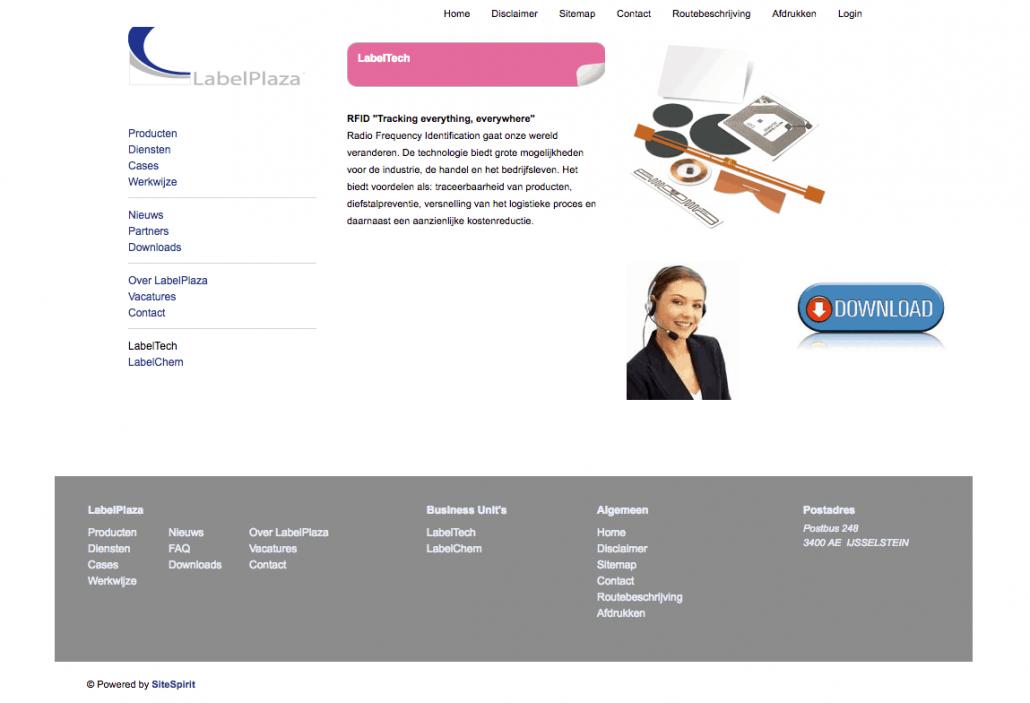 Screenshot van de homepagina van LabelPlaza met een horizontaal menu bovenaan, een verticaal menu links en een footer met daarin ook weer die menu-items.