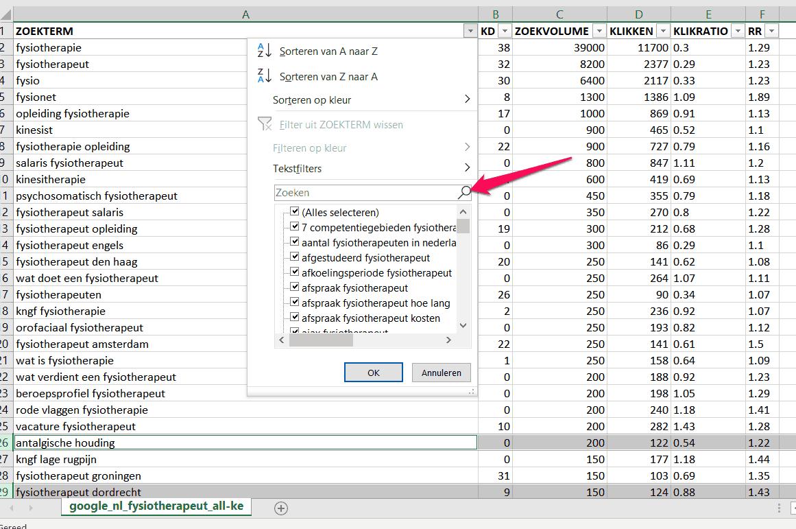 Klik op het pijltje in een kolom om te zoeken en filteren op woorden.